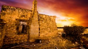 Ruin house collapse